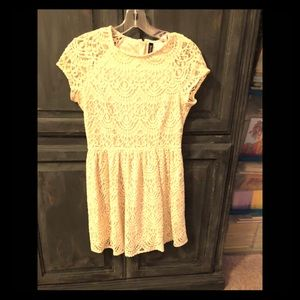 ❤️❤️ Cream H&M mini lace dress size 8 ❤️❤️